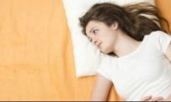 Біль віддає в задньому проході і болить в животі - про що це говорить і що робити?
