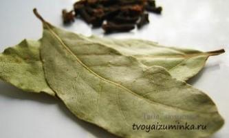 Чистка суглобів лавровим листом