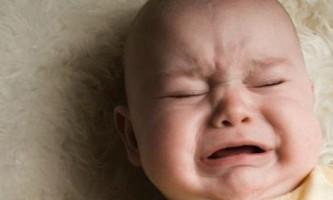 Як і чим лікувати запор у новонародженого