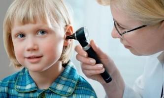 Як лікувати закладеність вуха в домашніх умовах