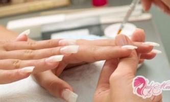 Як правильно нарощувати нігті