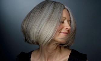 Як виглядати молодше за свої роки: фарбування пасом волосся