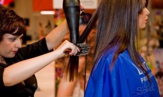 Як висушити волосся без фена? Безпечні методи сушки голови