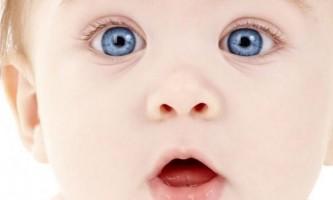Коли змінюється колір очей у новонародженого, і чи завжди він змінюється?