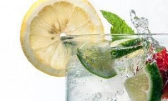 Коктейлі для схуднення з лимоном