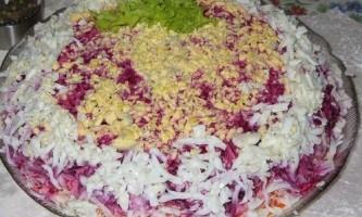 Креветки під шубою »- салат на всі випадки життя