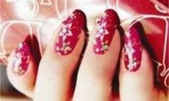 Нарощування нігтів гелем: переваги і недоліки