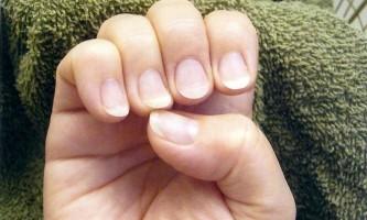 Нарощування нігтів на короткі нігті