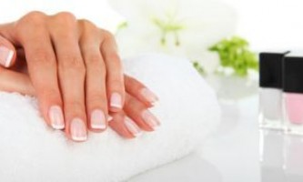 Нарощування нігтів на обгризають нігті