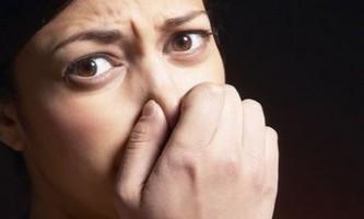 Неприємний запах в носі при вдиху