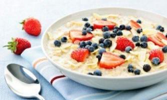 Вівсяна каша - найкорисніше блюдо для ранкового прийому їжі