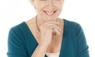 Зачіски для жінок старшого віку з сивим волоссям