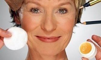 Топ вісім помилок для вікового макіяжу