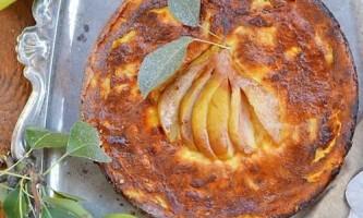Сирний пиріг з грушами
